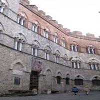 18240__Palazzo_Chigi-Saracini