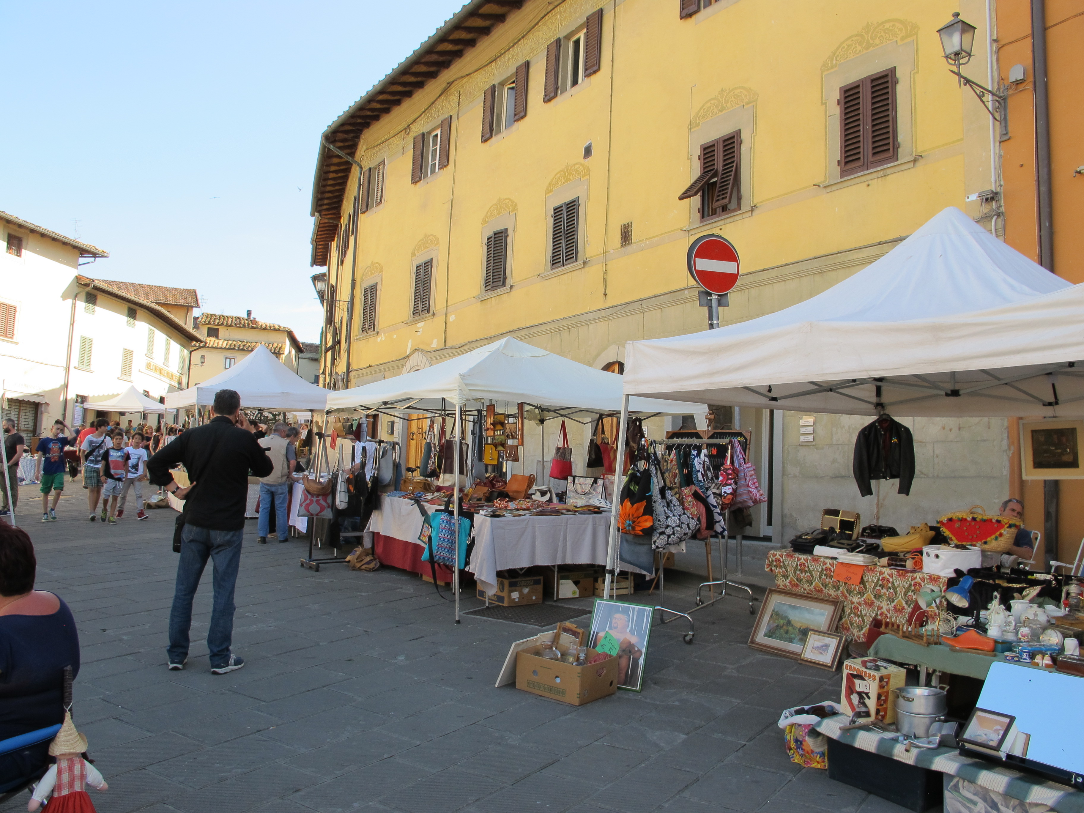 Mercanzie in piazza