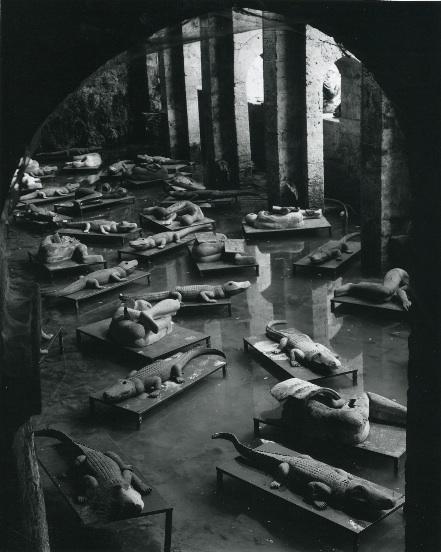 Mimmo Paladino- Dormienti, installazione Fonte delle Fate, Poggibonsi, 2000