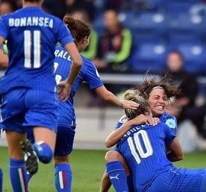 30787__nazionale+di+calcio+femminile