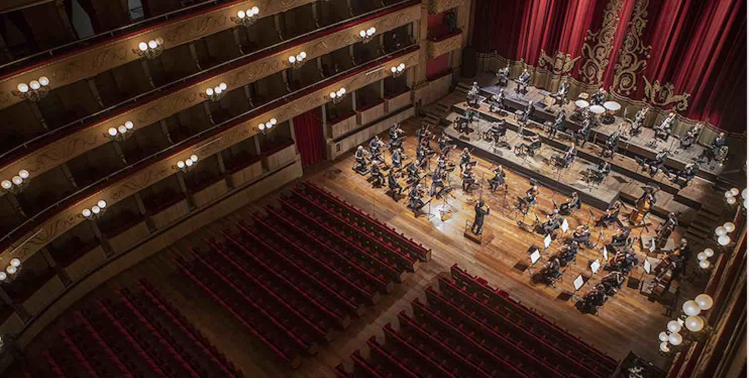 Orchestra della Toscana: Musica Divina. Luce e Oscurità – eventi in streaming